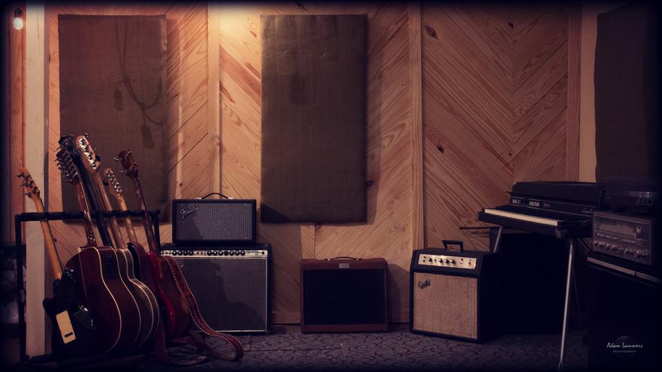 LR-Guitar Land