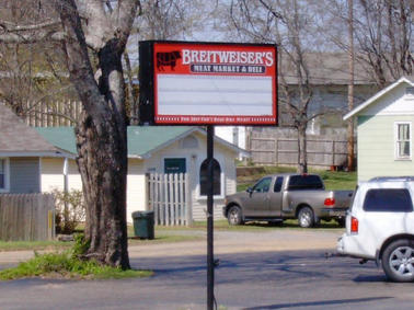 Breitweisers Pole Sign