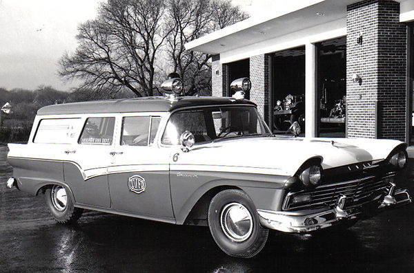 1957 ford station wagon.jpg