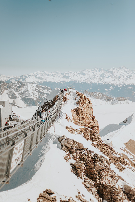 peak walk, alpes suizos, gstaad, tissot