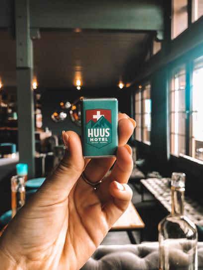 Hüus Gstaad Hotel: Donde el diseño alpino es el protagonista