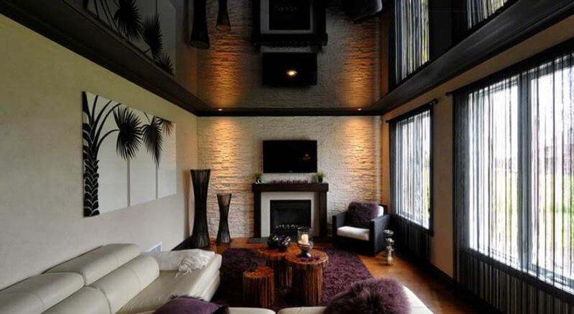 Глянцевые чёрные потолки
