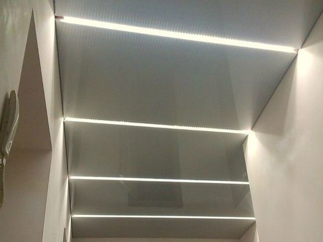 Коридор парящие потолки