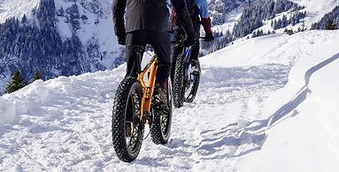 snow-3066167_1920_edited.jpg