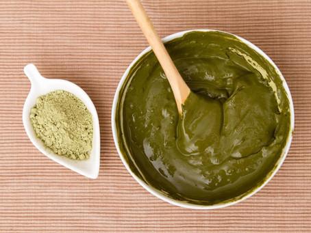 Come preparare e applicare l'Hennè.