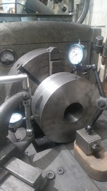 centering roller die