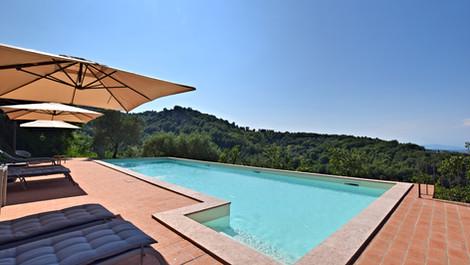 piscina super.jpg