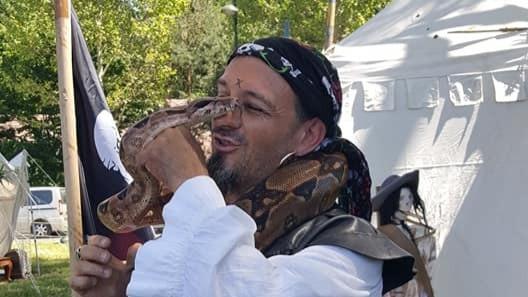 Charmeur de serpent Linja Pirate