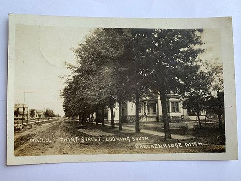 Breckenridge, MI - 3rd St. Looking South 1910