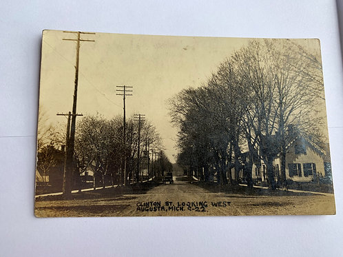 Augusta, MI - Clintion Street, Looking West 1913