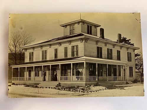 Commerce, MI - Commerce Lake House - J.L. Vail Proprieter