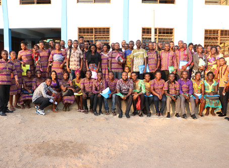 Teachers Gather to Learn in Ghana
