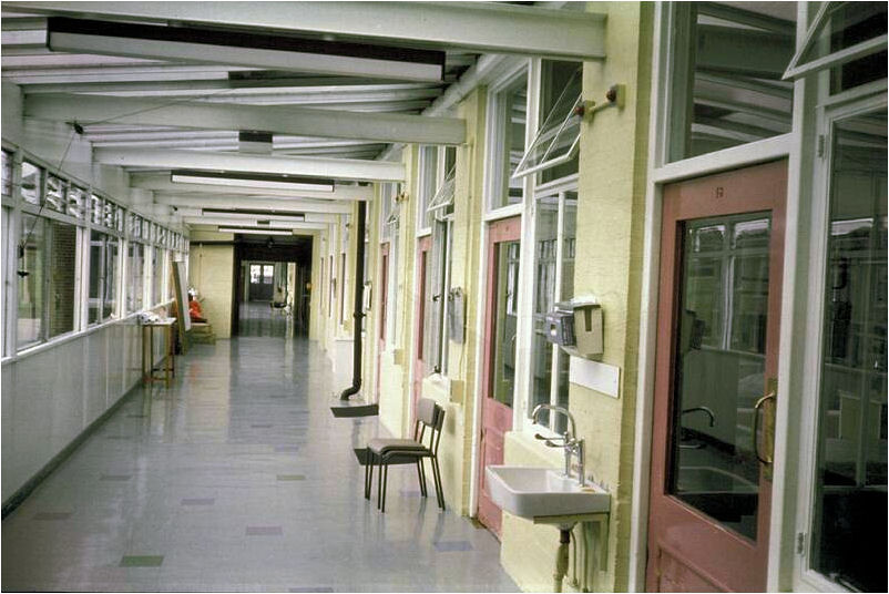 A photograph of the hospital ward at East Birmingham Hospital where smallpox victim Janet Parker was treated.