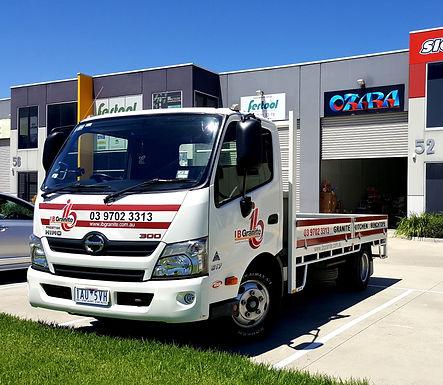 Truck-Sign-IB-Granite-400cm-Long