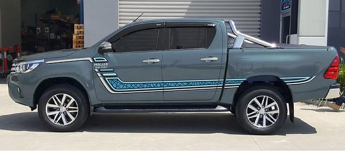 Toyota-Hilux-SR5-Z-Body-Stripe-Blue