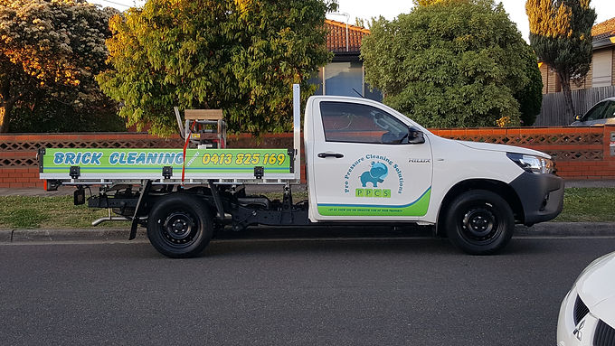 Toyota-Hilux-WorkMate-Ute-Sign