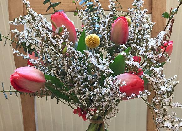 Mélange de fleurs fraîches et séchées