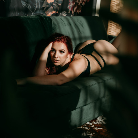 First Session in the new Baltimore Boudoir Studio // Sarah