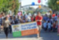 Start-of-parade-2013_800.jpg