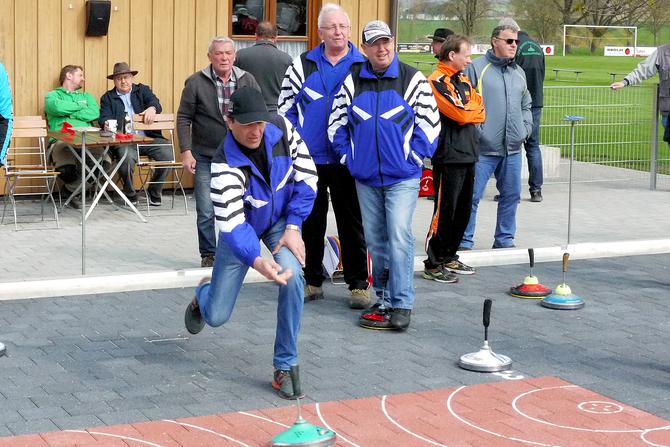 EINWEIHUNGSFEIER TURNIER IN NIEDERROTH: Team des TSV erkämpft den vierten Platz