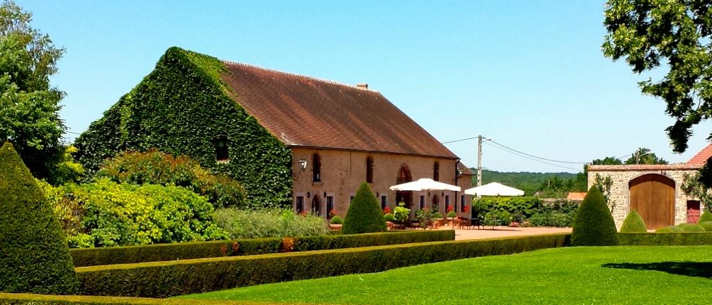Les Residences du Chateau de Vianges Summer 2014_1024.jpg