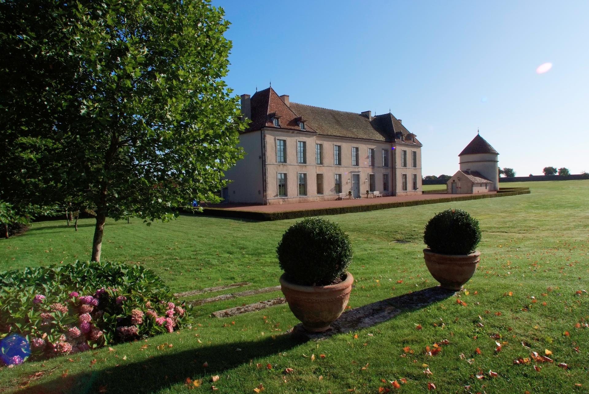 Chateau de Vianges Park view