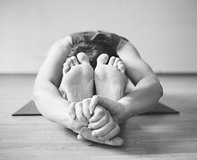 yoga-1146277_1920_edited.jpg