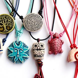 simple stone-washed pendant neclaces, black and white or colourful  κολιέ με κρεμαστές πετροπλυμένες κεραμικές και ανάγλυφες δημιουργίες
