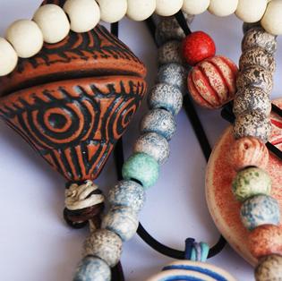 neclaces with museum replica beads and pendants  κολιέ με χάντρες και σχέδια αντίγραφα μουσείου