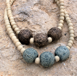 unique neclaces made from simple and impressive museum replica beads  μοναδικά κολιέ κατεσκευασμένα με χάντρες - αντίγραφα μουσείου