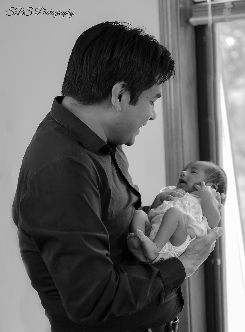 CT Newborn photographer, father daughter
