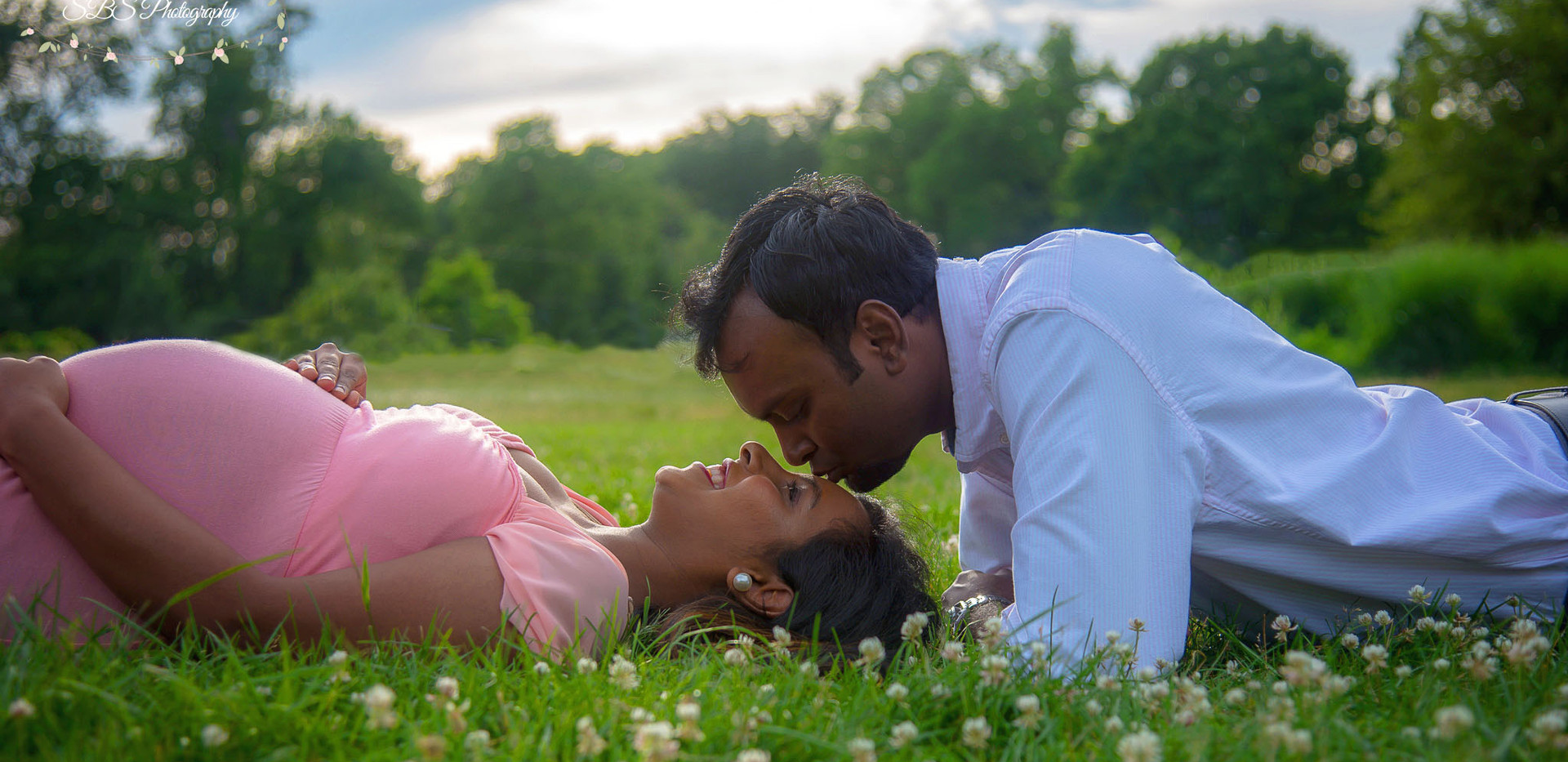 Green Field Maternity Session Connecticut