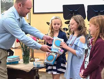 Frostburg UMC- Third Grade Children Receiving Bibles