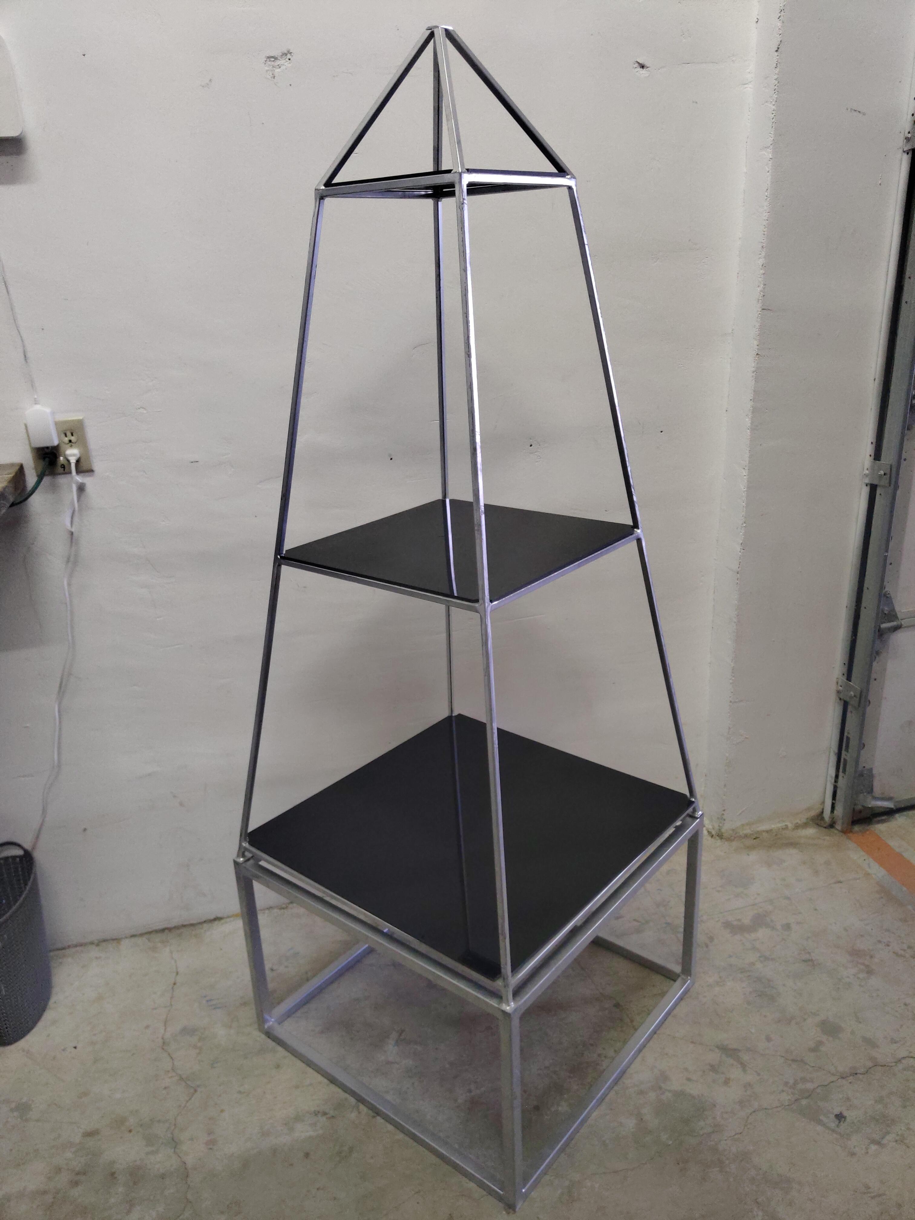 Pyramid_Back_Bar (2)