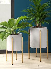 Manhasset+2-Piece+Iron+Pot+Planter+Set.j