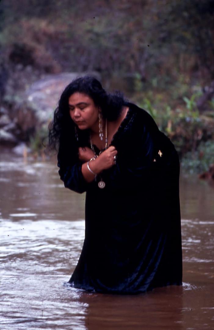Bruxa Lígia Amaral Lima nas águas de Oxum
