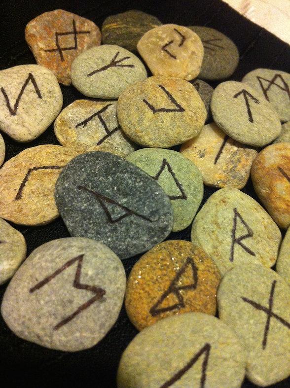 Runestones-Amber-Witch.jpg