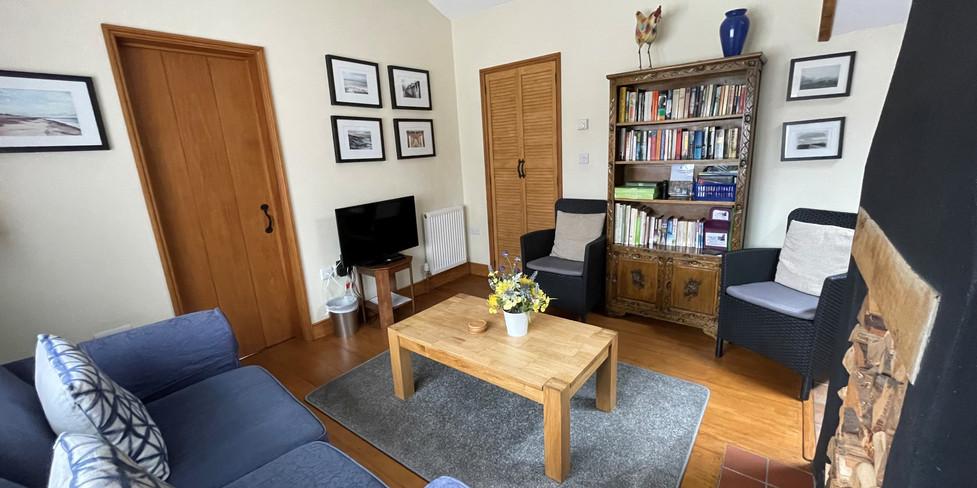 Corner Cottage: Comfortable sitting room