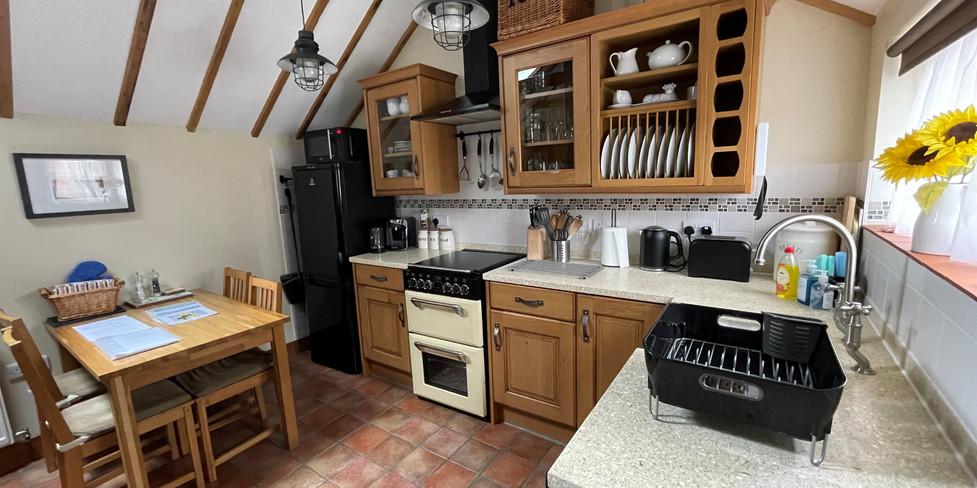 Corner Cottage: Kitchen
