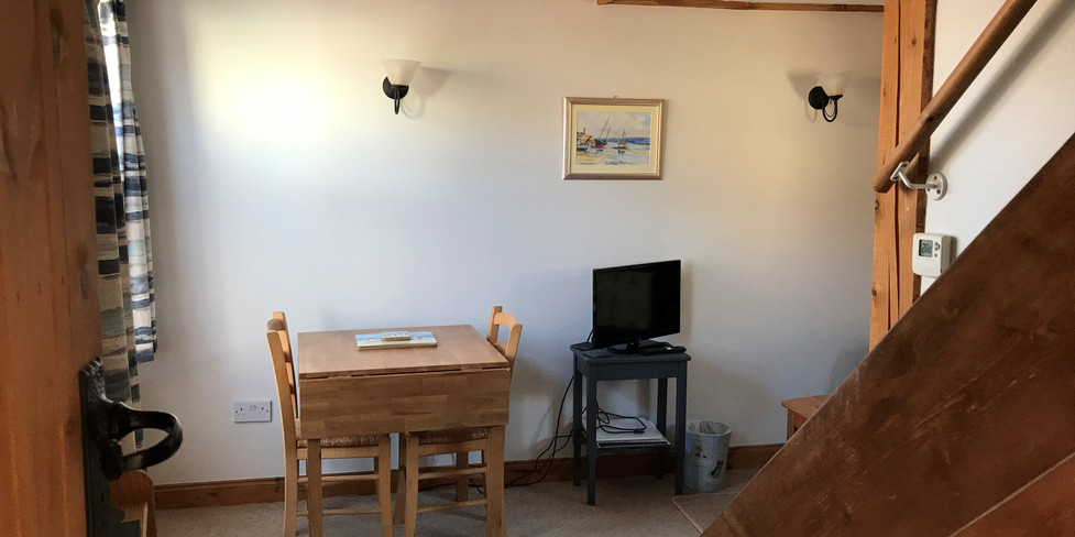 Chapel Cottage: Dining area