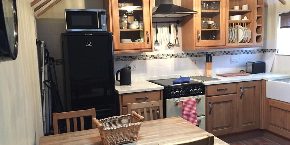 Corner Cottage: Kitchen/Dining area