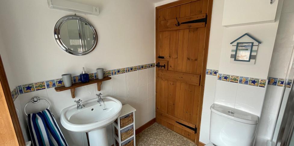 Chapel Cottage: Bathroom