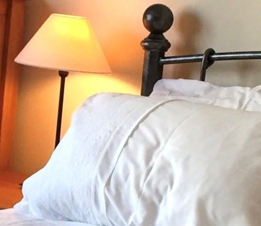 Corner Cottage: Bedroom