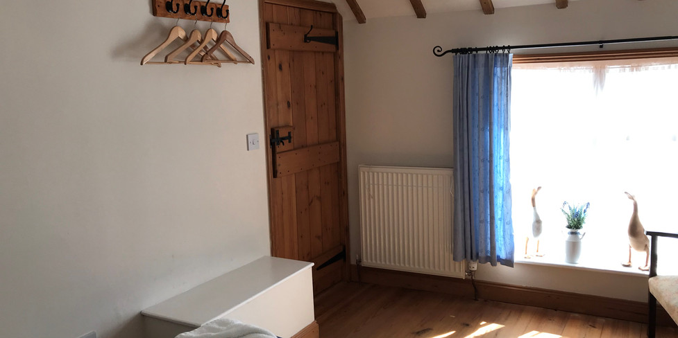 Chapel Cottage: Bedroom area