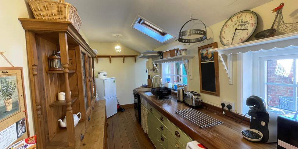 Flint Cottage: Kitchen