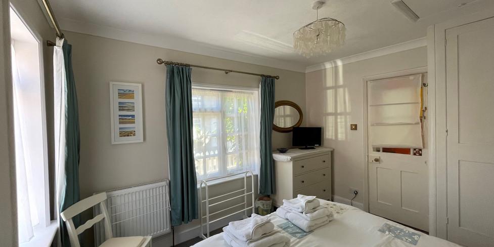 Flint Cottage: Kingsize bedroom