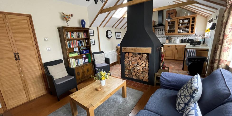 Corner Cottage: Sitting room
