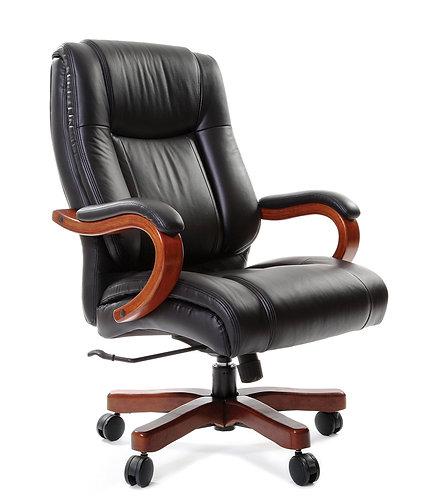 Кресло кожаное CH403 Chairman с деревянными подлокотниками