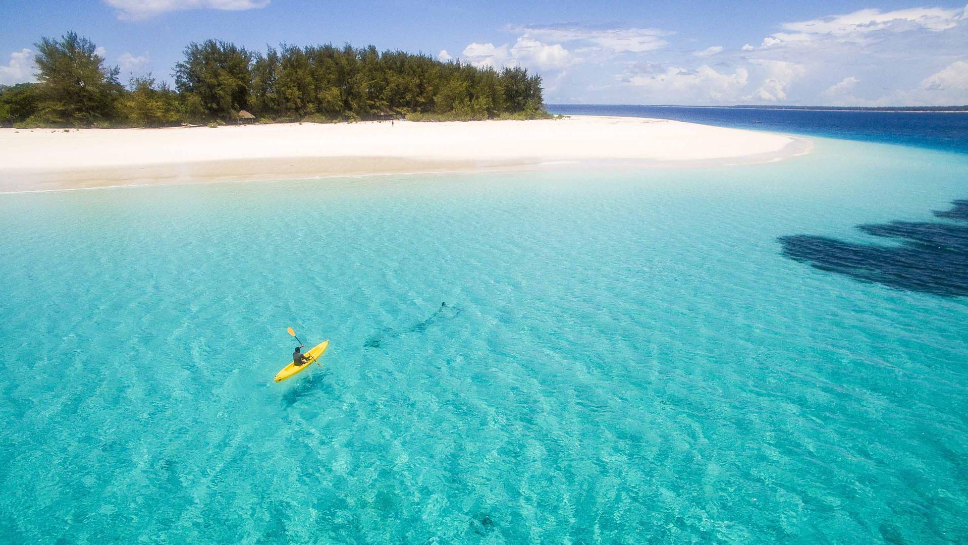 mnemba-island-zanzibar-kayaking.jpg