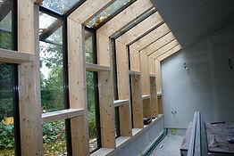 Raamconstructie in gelammeleerd hout